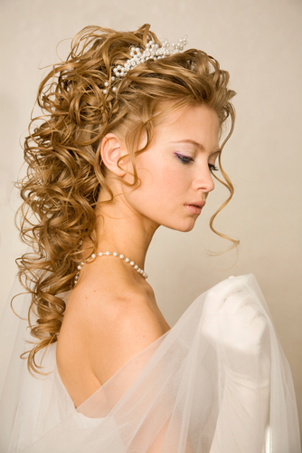 "5 Hair Mistakes to Avoid Before You Say ""I Do"""