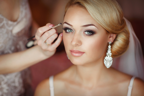 Enhance Your Wedding Hair and Makeup Trial With These 5 Tips