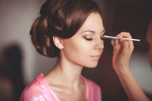 Hair and Makeup Tips for Flawless Wedding Photos (at any time of day)