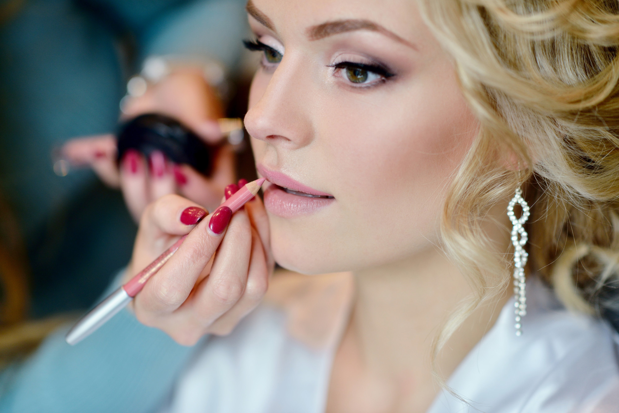 4 Flawless Summer Wedding Makeup Tips for Your Big Day